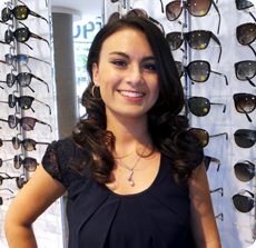 photographie de Marion ATTLAN, opticien Nanterre chez Clear Optic